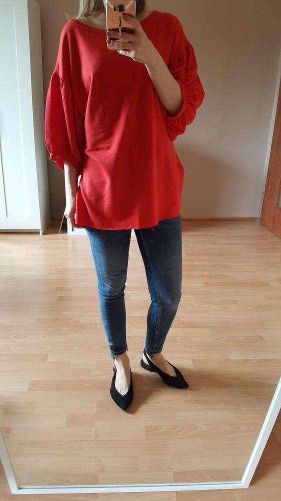 Tuniki czerwona tunika z bufiastymi rękawami