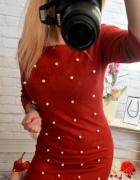 zamszowa bordowa sukienka z perełkami
