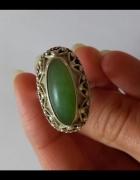 Warmet srebrny pierścionek z zielonym kamieniem
