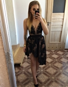 sukienka Lou asymetryczna cała koronkowa cekiny haft Marsha