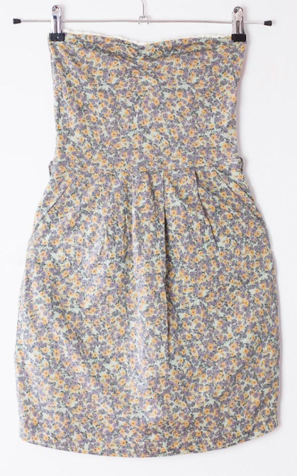 574e7cb4c4 Suknie i sukienki Krótka sukienka mini Bershka boho etno bombka tuba