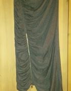 Asymetryczna szara spódnica z zamkiem