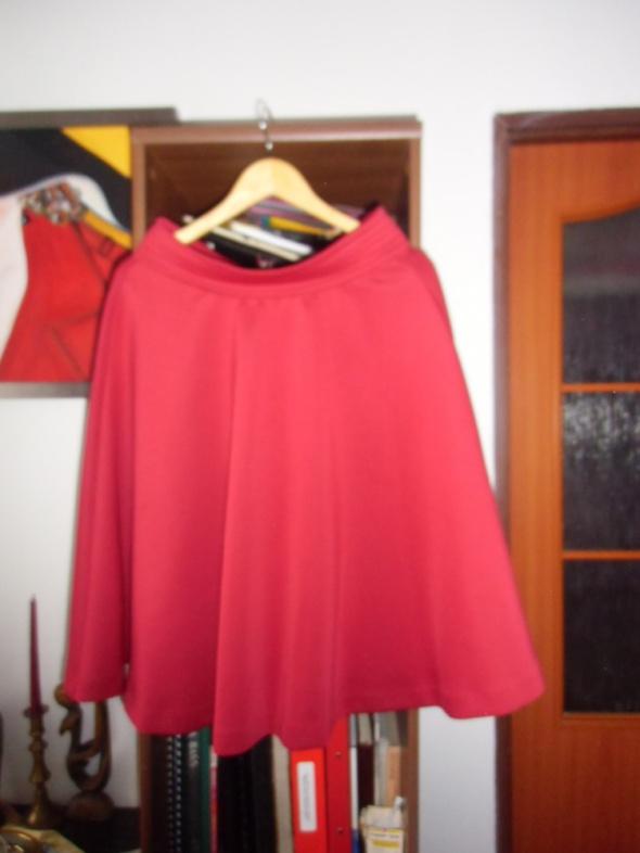 Rozkloszowana spódnica reserved bordowa