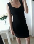 Sukienka dopasowana elegancka czarna zamek złoty z tyłu ML