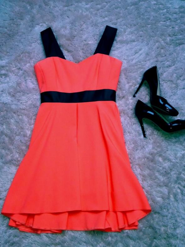 Suknie i sukienki Piękna sukienka neonowy róż wesele inne