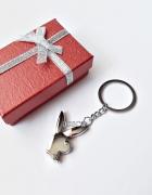 PLAYBOY brelok do kluczy króliczek pudełko srebrny...
