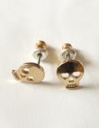 Kolczyki małe złote czaszki Cropp na zatyczki nowe