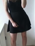 H&M Sukienka mała czarna rozkloszowana koronka odkryte plecy xss