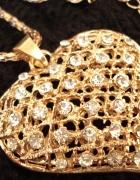 Naszyjnik w kolorze złota duże serce z błyszczącymi kamieniami