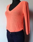 Łososiowy sweterek dekolt serek r XS
