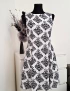 biało czarna sukienka w wzory Atmosphere