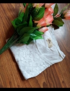 hollister koronka tłoczone kwiaty...