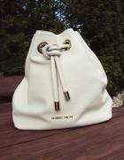 Śliczny modny i super wygodny plecaczek...