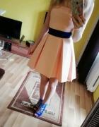 Asymetryczna sukienka morelowa XS S