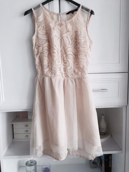 Sukienka pudrowy róż Reserved 36