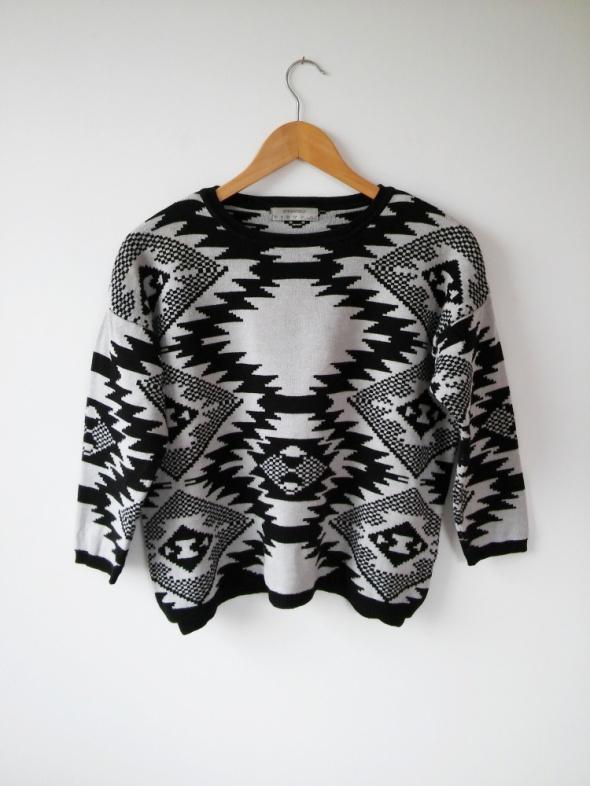 krótki sweterek oversize w azteckie wzorki S 36