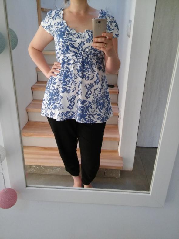 śliczna biała bluzka w niebieskie kwiaty 42 XL...