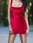 Czerwona seksowna sukienka z welurku