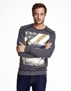Ciemnoszara bluza męska z nadrukiem i surowym wykończeniem