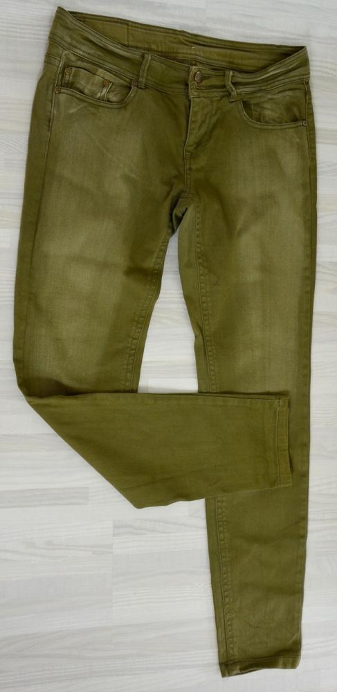Oliwkowe spodnie rurki...