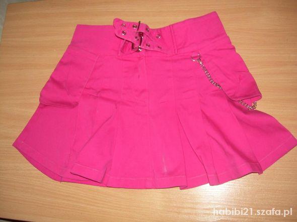 Spódnice rozowa spodniczka