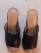 nowe czarne błyszczące buty na wysokim koturnie...