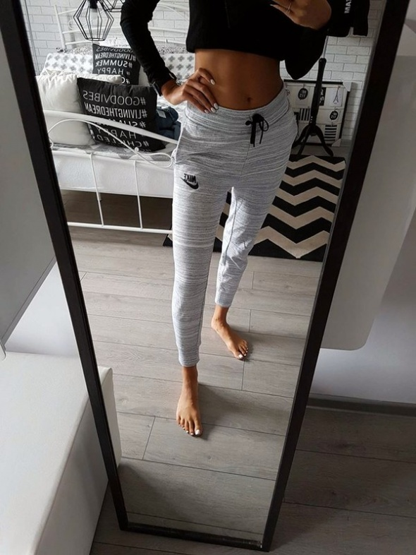 Spodnie dresowe NIKE rozmiar XS