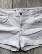 Białe spodenki jeansowe roz 44 46