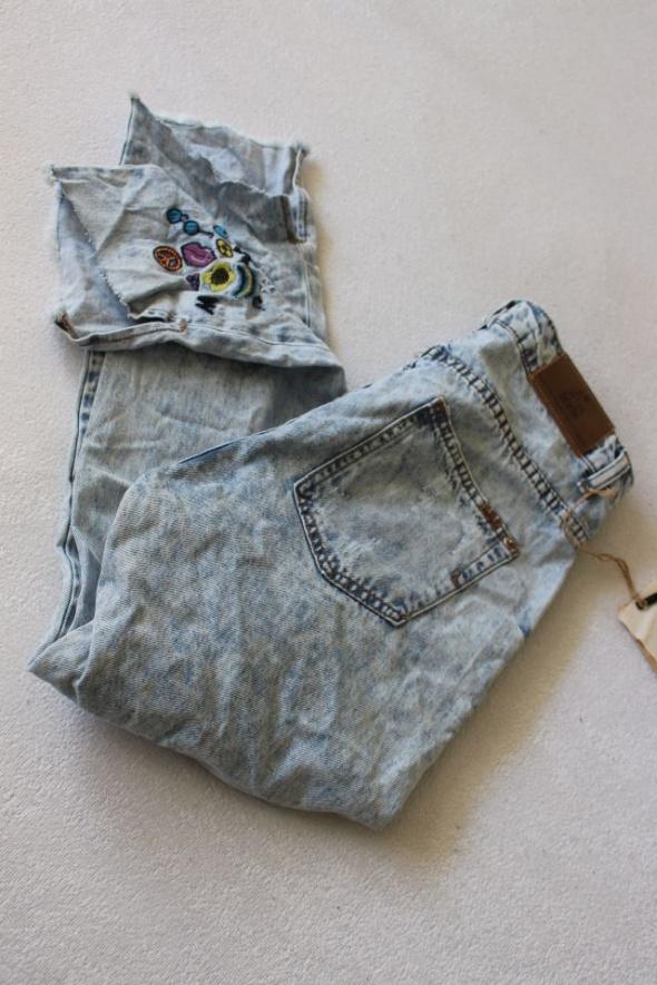 Spodnie Spodnie jeansy z haftem s