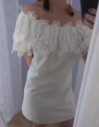 Sukienka moda włoska koronka opuszczana na ramiona