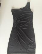 Sukienka czarna na jedno ramię