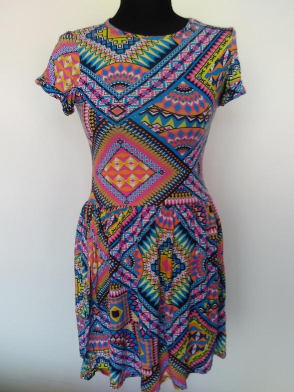 Kolorowa sukienka azteckie wzory rozmiar 36 ale i 34