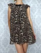 Rozkloszowana trapezowa plisowana sukienka w panterkę Star...