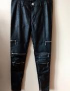 czarne spodnie z eco skóry z zameczkami r S 36