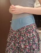 Krótka spódnica z falbankami w kwiaty M Cropp Town