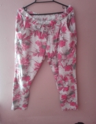 Spodnie dresowe w kwiaty L XL