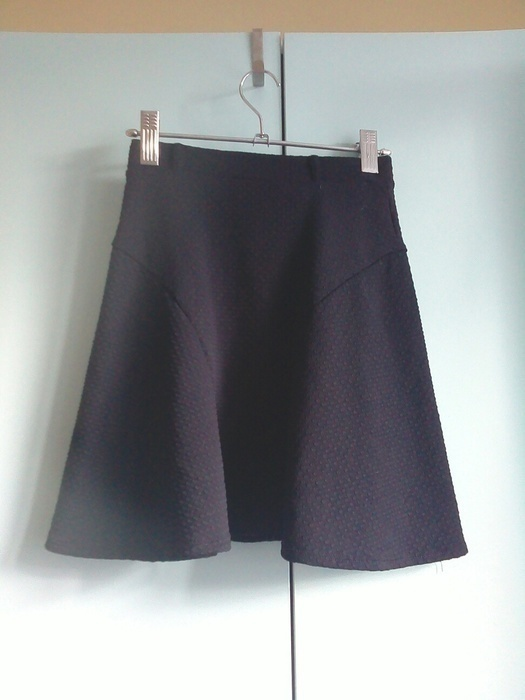 Spódnice Czarna pikowana spódnica atmo xs s