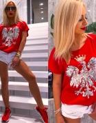 Czerwona bluzka z orzełkiem