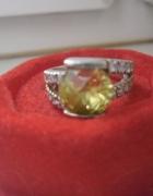 Zestaw srebrnej biżu pierścionek i zawieszka 12 gr