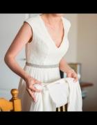 Klasyczna i skromna suknia ślubna S lub małe M muślin i koronka