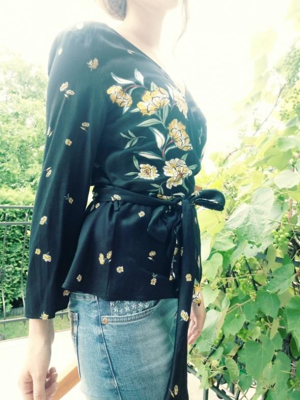 Bluzka kopertowa Zara
