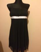 czarna plisowana sukienka...