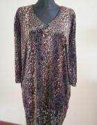 Sukienka w większym rozmiarze 32 60