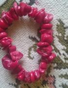 Czerwony koralowiec w bransoletce