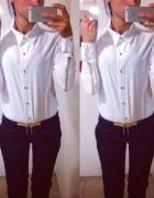 biala koszula zlote zamki