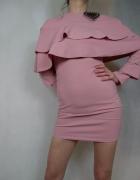 Krótka mini dopasowana ołówkowa sukienka z falbanami Club L...