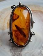stary srebrny pierścionek wielki bursztyn