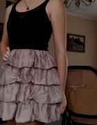 Sukienka z siateczką i falbanami Vila r S