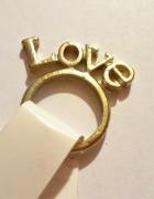 pierścionek złoty napis Love