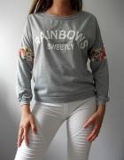 Bluza sweter szary z koronkowym motywem kwiatów
